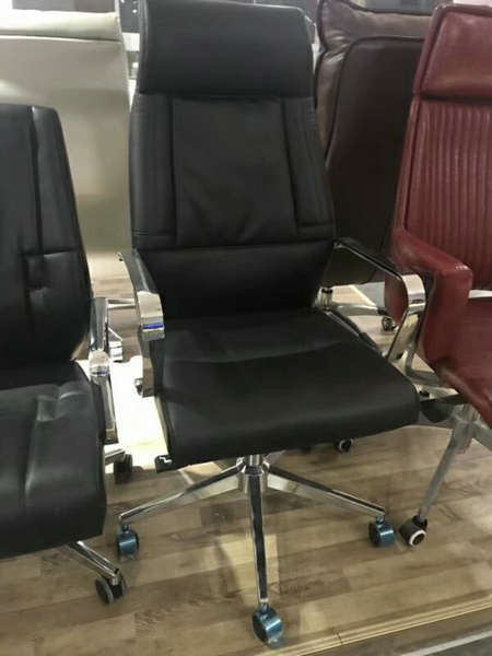 Deauville Swivel Black PU Leather Manager Office Computer Chair -5